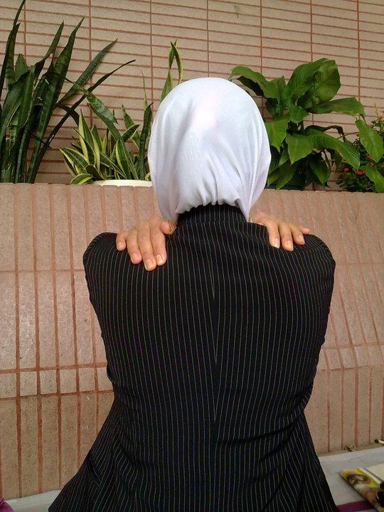 Foto Wanita Hijab Syari Hadap Belakang Hijabfest